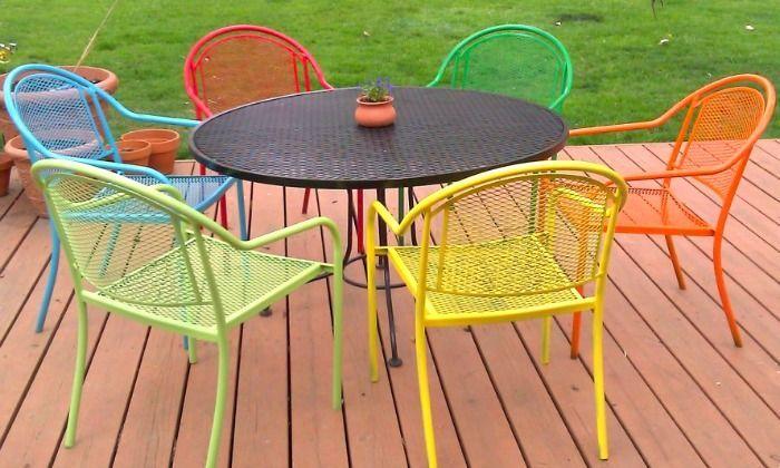 Spray Painted Wrought Iron Patio Furniture Using Rustoleum Satin