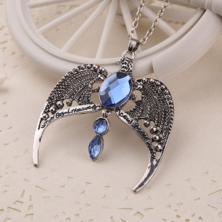 Raveena Raven Claw Pendant Necklace