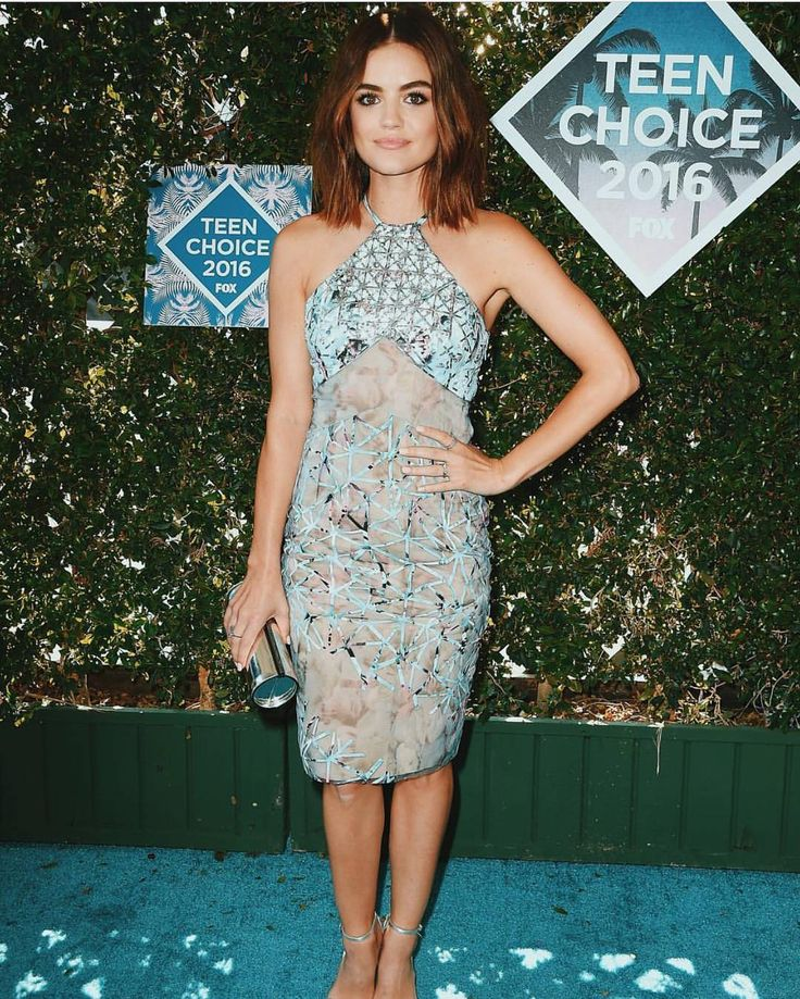 Lucy Hale looked STUNNING at the #TeenChoice Awards! | Pretty Little Liars
