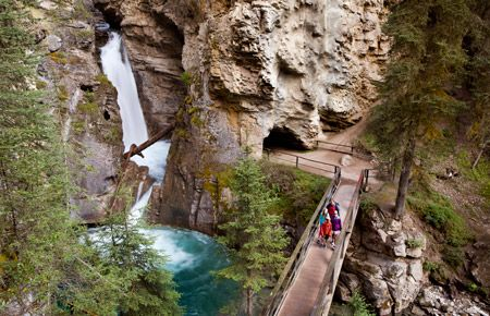 Top 5 Spring Activities for Families in Banff
