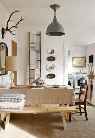 Rita Konig designs are easygoing, quirky and fun, underpinned with a rigorous understanding of clients' needs. She's the perfect choice for those in search of colour, a casual vibe and expertly pitched vintage pieces. #modernarchitecture #bedroominteriordesign #housearchitecture See more inspirations here
