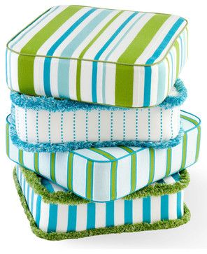 Crazy about these outdoor cushion stripes in the colors of water and grass!