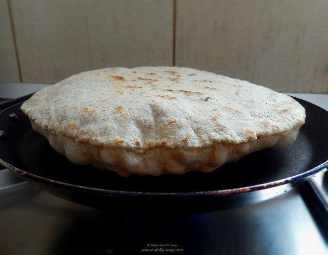 lipii cu maia si chimion.  flat bread by Hamelman