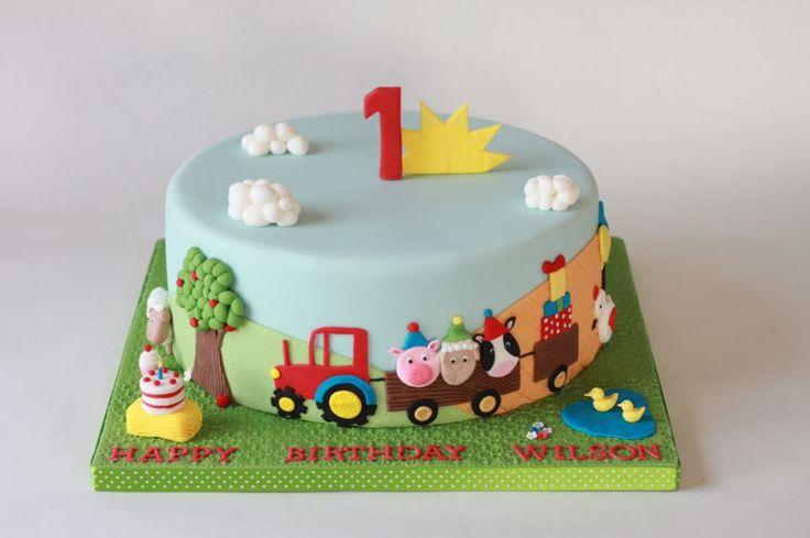super cute farm animals cake