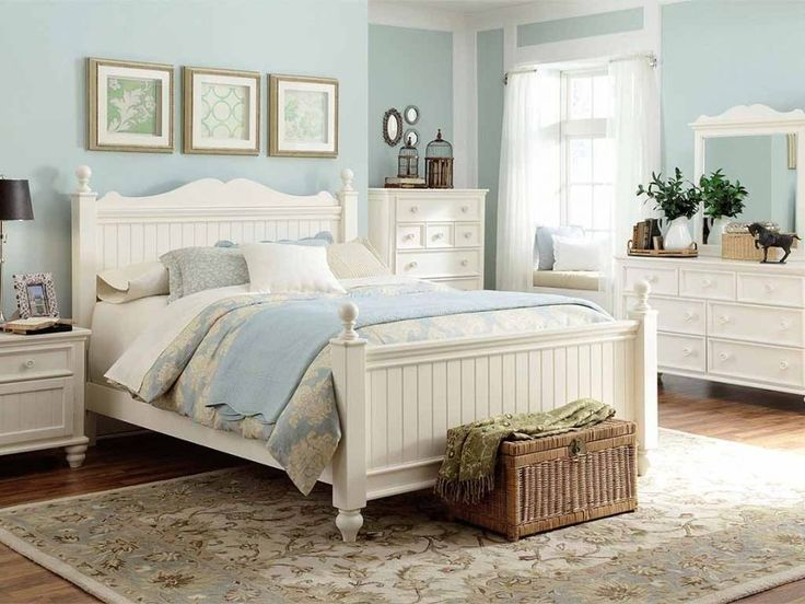 Best 25+ Distressed bedroom furniture ideas on Pinterest | Chalk ...