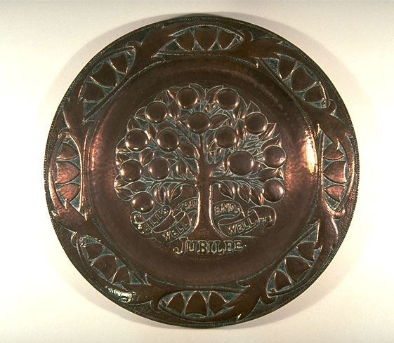 British Arts and Crafts Charger commemorating Queen Victoria's Jubilee, tray by John Pearson, circa 1897.