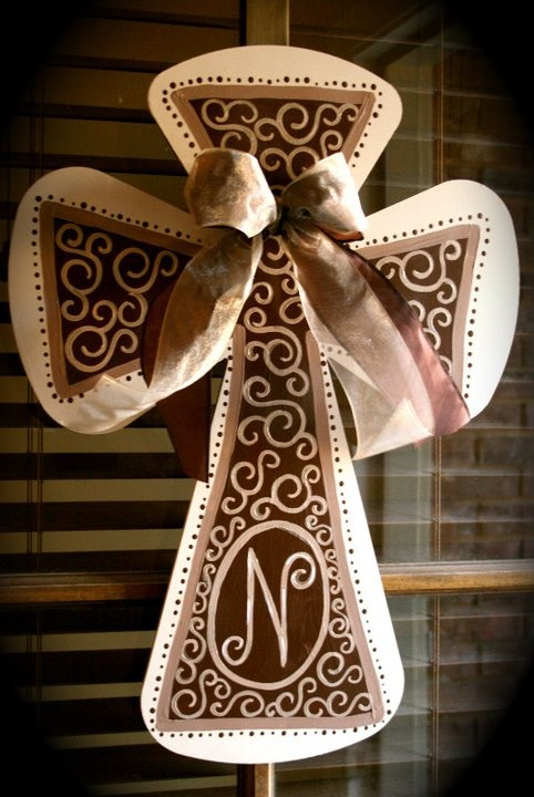 wooden cross: New House, Diy Crafts, Doors Decor, Love It, Monograms Crosses, Diy Projects Gifts, Crafts Diy, Wooden Crosses Paintings, Wooden Paintings Crosses