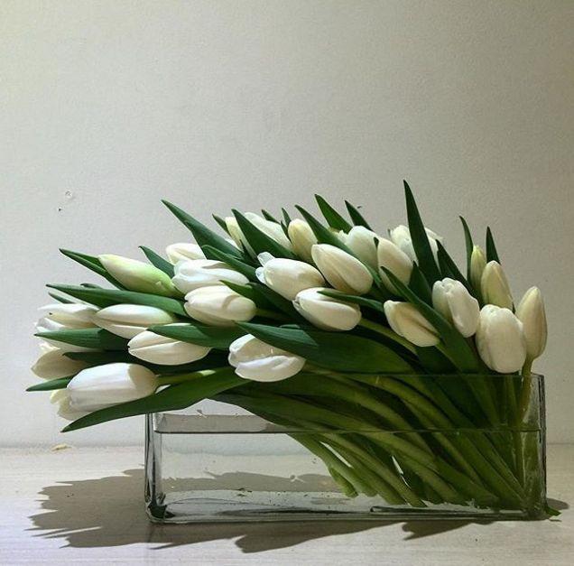 Adorable And Cheap Easy Diy Tulip Arrangement Ideas No 09 Tulips Arrangement Contemporary Flower Arrangements Modern Flower Arrangements