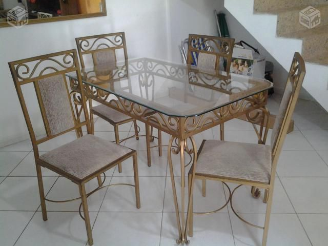 Mesa em ferro