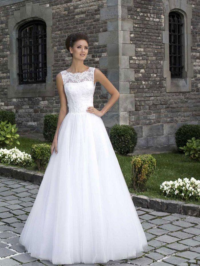 Krásne svadobné šaty s čipkovaným živôtikom na predaj