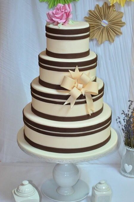 Wedding cake by Cofetaria Aladdin  Brown and ivory
