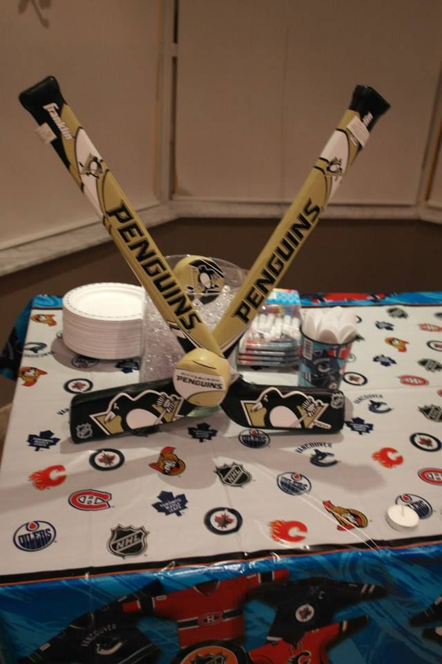 Cake Table Decorations Pittsburgh Penguins Hockey Sticks Round Vase Behind  It With Clear Crystals (jewels
