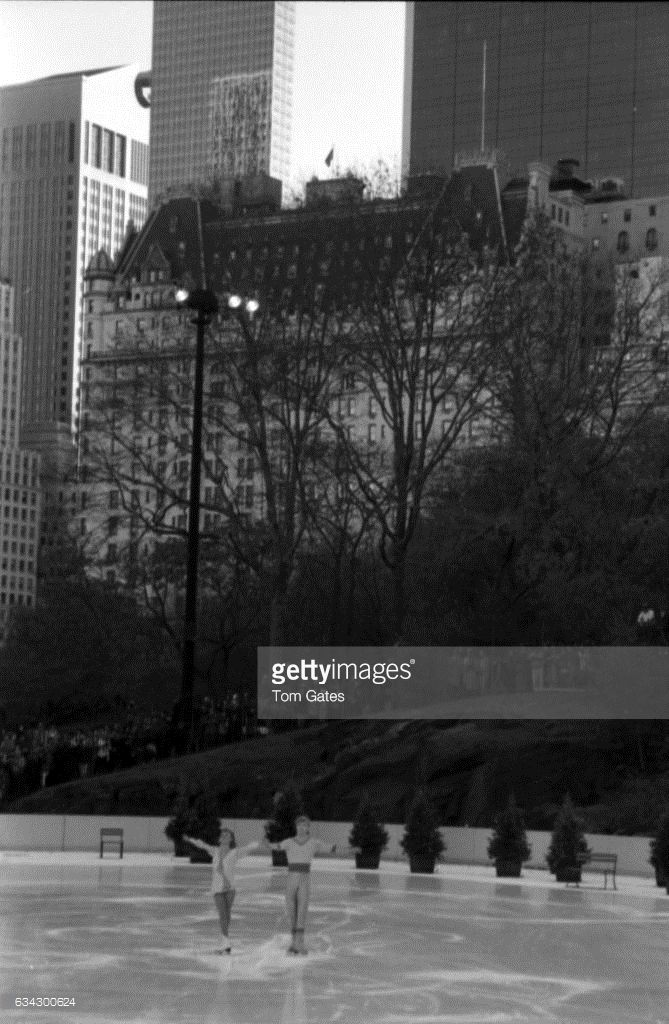Skaters Christopher Dean and Jayne Torvill of the ice skating duo Torvill and Dean perform at the opening ceremony for Wollman Rink in Central Park on November 13, 1986 in New York, New York.