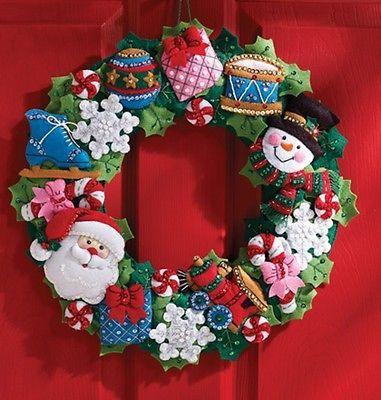 """Bucilla Navidad Juguetes corona Kit De Fieltro 16"""" Santa, Muñeco de nieve, copos de nieve"""