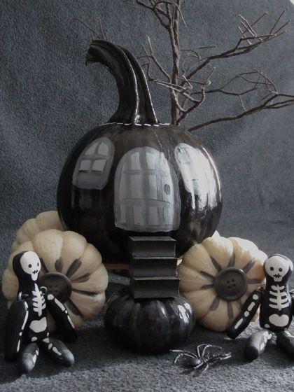Halloween Pumpkin Coach: Coach Photos, Halloween Decor, Halloween Pumpkins, Halloween Fun, Halloween Crafts, Halloween Fall Thanksgiving, White Pumpkin, Halloween Ideas, Pumpkin Coach