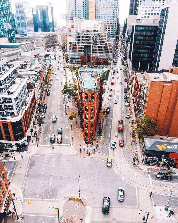 Streets of Toronto (@streetsoftoronto) • Instagram photos and videos
