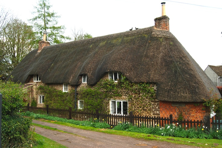 Thatched Cottage. Sandy Hook, Wiltshire