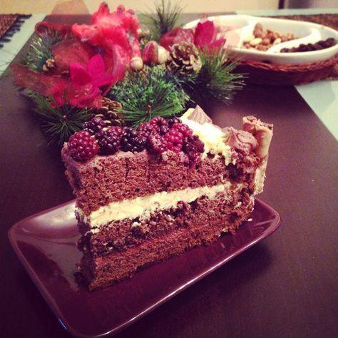 Reteta culinara Tort de sarbatoare din categoria Torturi. Cum sa faci Tort de sarbatoare