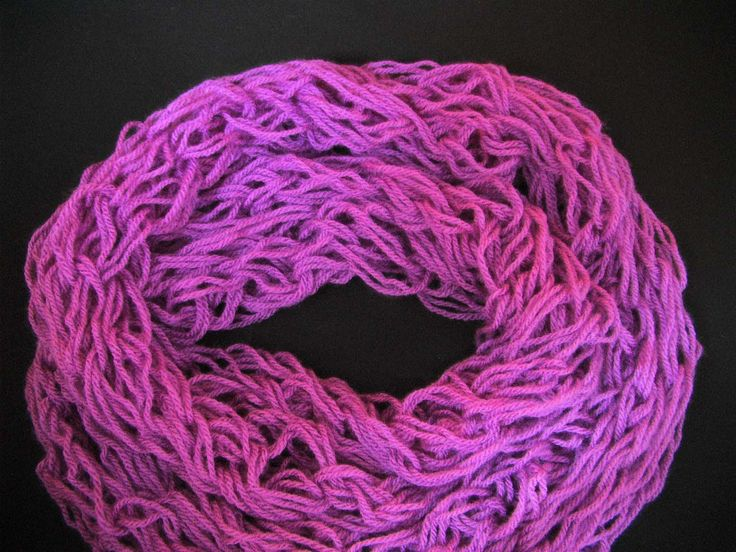 Πλεκτος Λαιμος στο Χερι (χωρις βελονες) / Arm-Knitted Infinity Scarf