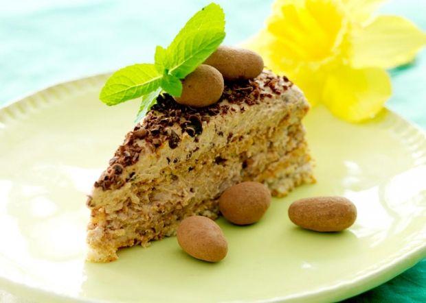 Lav en lækker dessert til påsken med en fortryllende opskrift på nøddekage med nougatcreme.