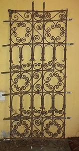 Grille de fenêtre ancienne en fer forgé. Iron window Morocco, 240 €