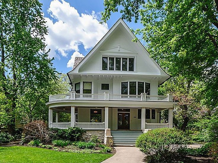 Joseph K Dunlop House II Oak Park IL for sale is a gorgeous Queen Anne historic home.