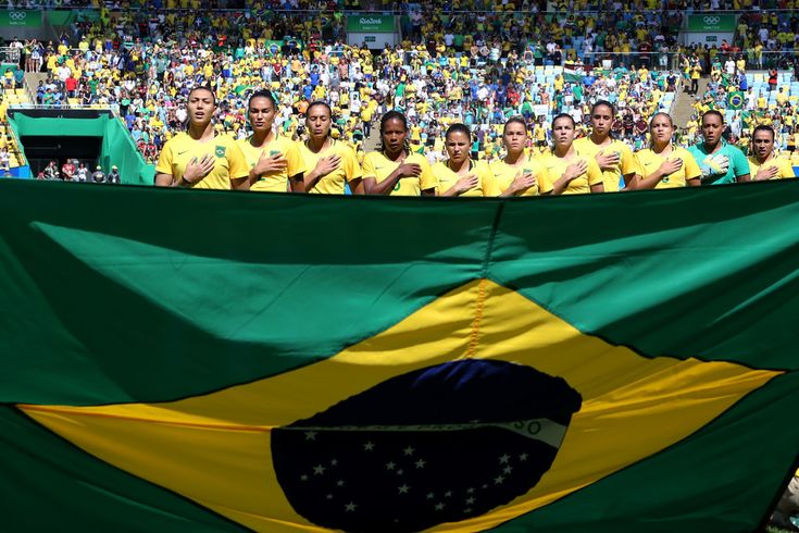 Brazil line up ahead of the Women's Football Semi Final between Brazil and Sweden on Day 11 of the Rio 2016 Olympic Games at Maracana Stadium on August 16, 2016 in Rio de Janeiro, Brazil.