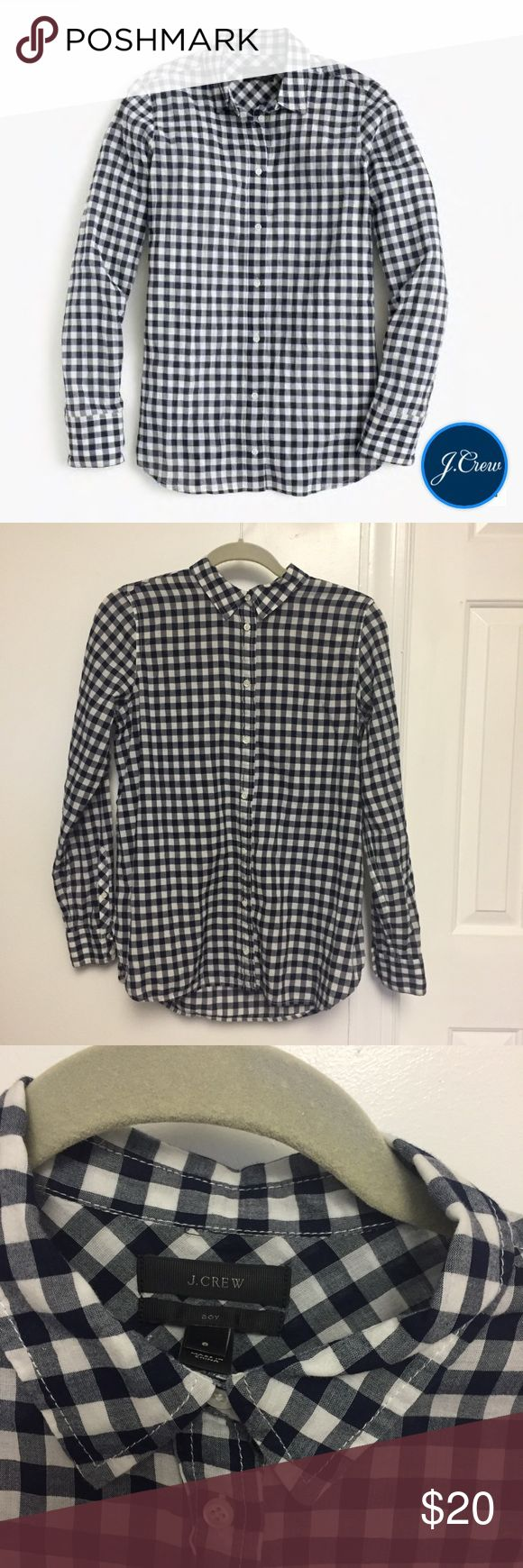 "J. Crew Relaxed Boy Shirt in Crinkle Gingham 8 Excellent pre-owned condition, classic J. Crew Boy Shirt in Crinkle Gingham in navy and white. Size 8. Measurements: pit to pit: 20.5"" shoulder to hem: 27"" sleeve length: 24"" J. Crew Tops Button Down Shirts"