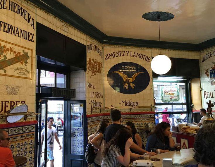 Anrika Café Iruña med härlig atmosfär i  Baskien!