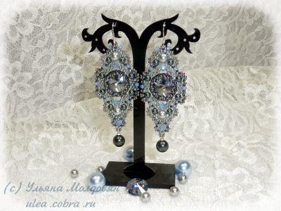 Beaded earrings. Swarovski, japan seed beads, pearls. Beadwork by Ulyana Moldovyan.