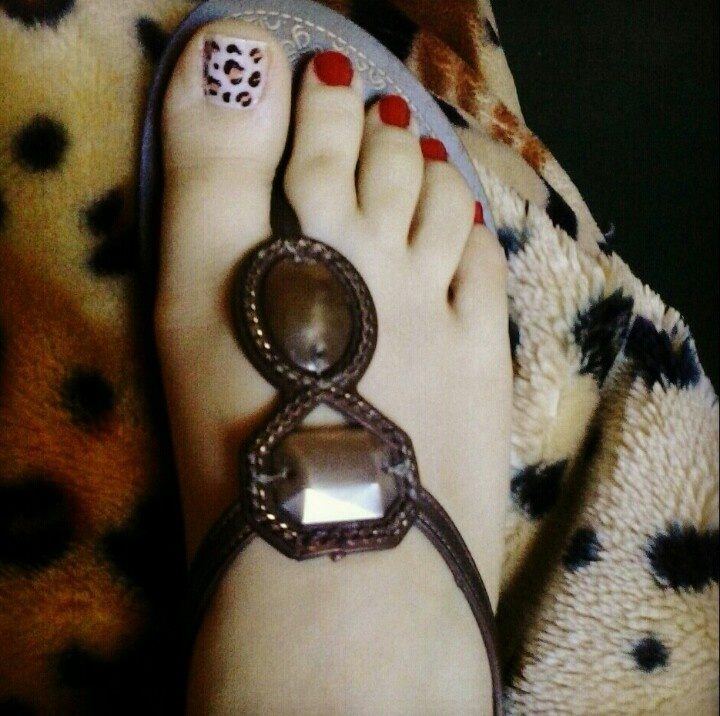 Leopard Toe Nail Design