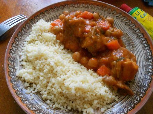 cumin, poivre, pois chiche, navarin d'agneau, courgette, tomate, bouillon de volaille, oignon, ail, maïzena, sel, carotte