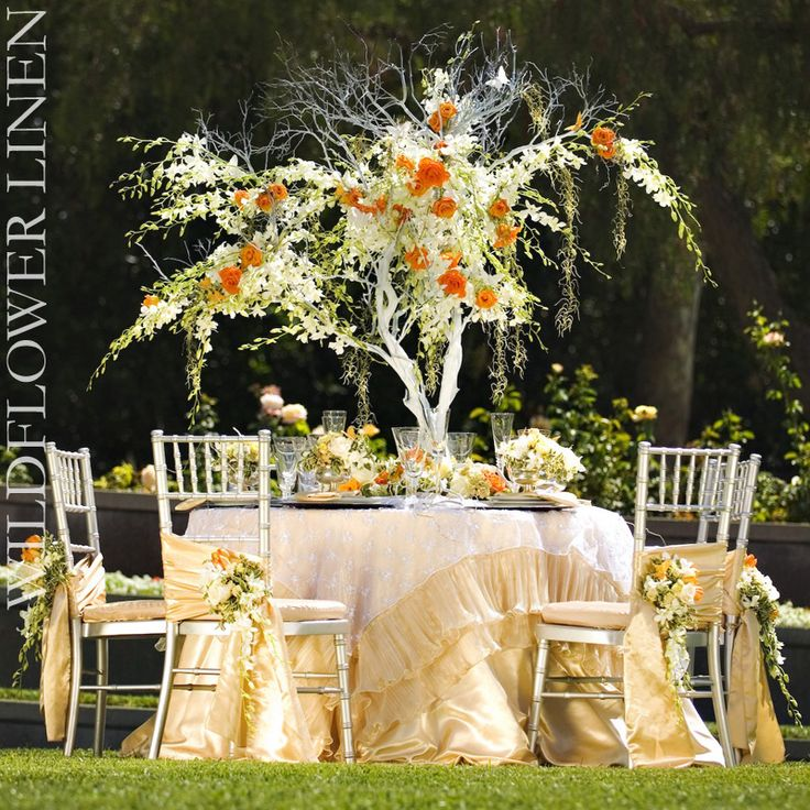 I want to sit in the shade of this lovely tree of orchids with this perfectly pretty linen from #Wildflower Linens