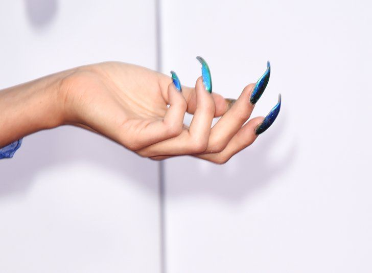 Pin for Later: See the Best Fall Nail Trends From the American Music Awards Red Carpet Z LaLa, American Music Awards Z LaLa paired her unusual ensemble with lengthy, multichromatic talons.