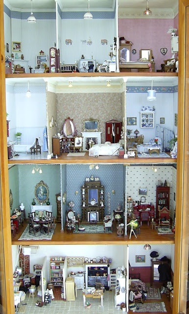 The Edwardian Dolls House