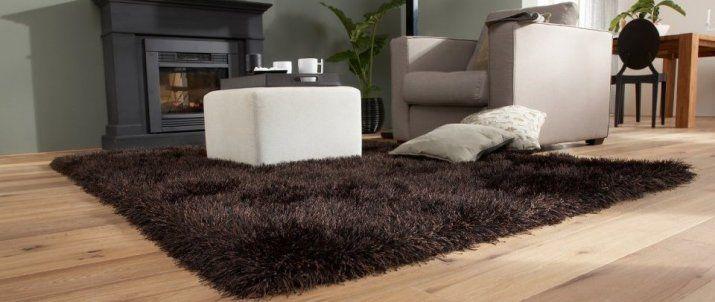 Laat je voeten wegzakken in dit dikke warme karpet.