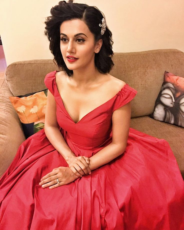 Tapsee Pannu in a gorgeous red coloured outfit by Zara Umrigar for the Lux Golden Rose Awards Picture: Instagram