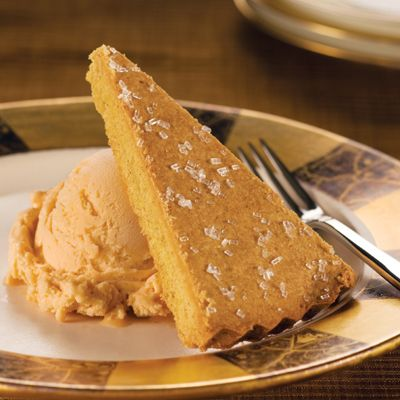 Autumn-Spiced Pumpkin Shortbread (Easy; 12 servings) #autumn #pumpkin #shortbread