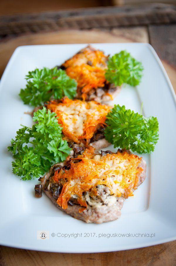 schab zapiekany pod pierzynką z marchwi :) #meat #dinner