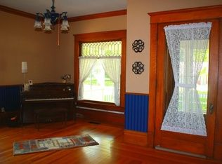 View 18 photos of this $185,000, 3 bed, 3.0 bath, 2994 sqft single family home located at 628 6th Ave, Sheldon, IA 51201 built in 1910. Beautiful century-old...