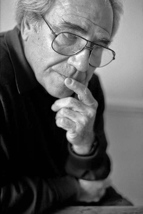 Jean Baudrillard: El exotismo radical : Ignoria  (Foto Jean Baudrillard at home, 1996, by Gueorgui Pinkhassov / Magnum)http://bibliotecaignoria.blogspot.com/2014/04/jean-baudrillard-el-exotismo-radical.html#.U0wOn_l5OSo