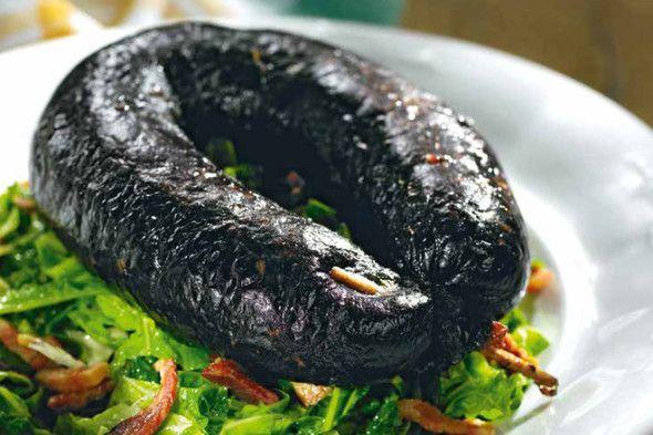 Black pudding with savoy cabbage + Kreinbacher NV Prestige Brut