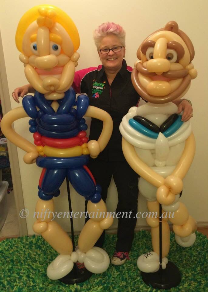 Adelaide Crows and Port Power twisted balloon design's for AFL showdown.
