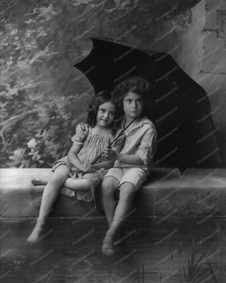 Victorian Children In Rain With Umbrella 8x10 Reprint Of Old Photo