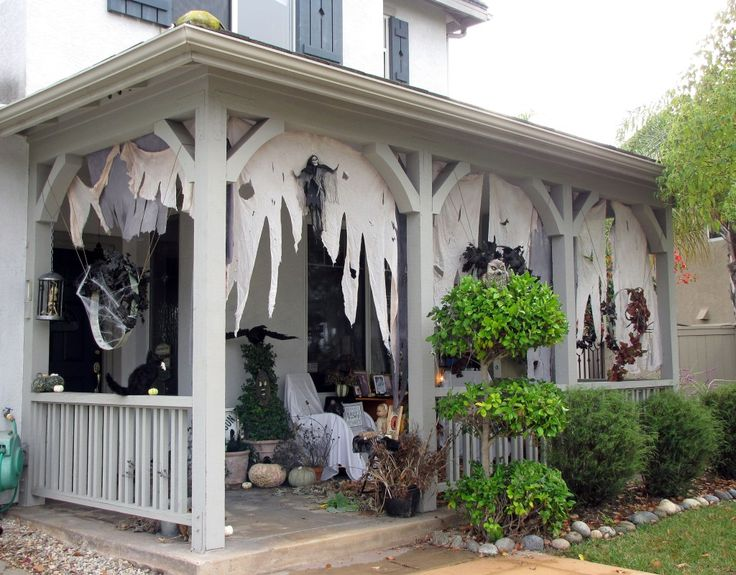 Outside Halloween Decorations Part - 36: Halloween Porch