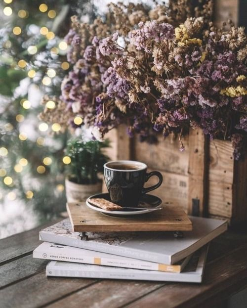 This is just a beautiful shot. Ana Rosa #coffee
