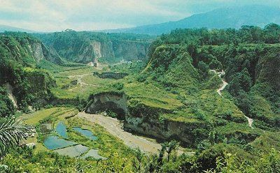 Sianok Grand Canyon (Ngarai Sianok) in Bukittinggi, West Sumatera | About Beautiful, Unique Indonesia