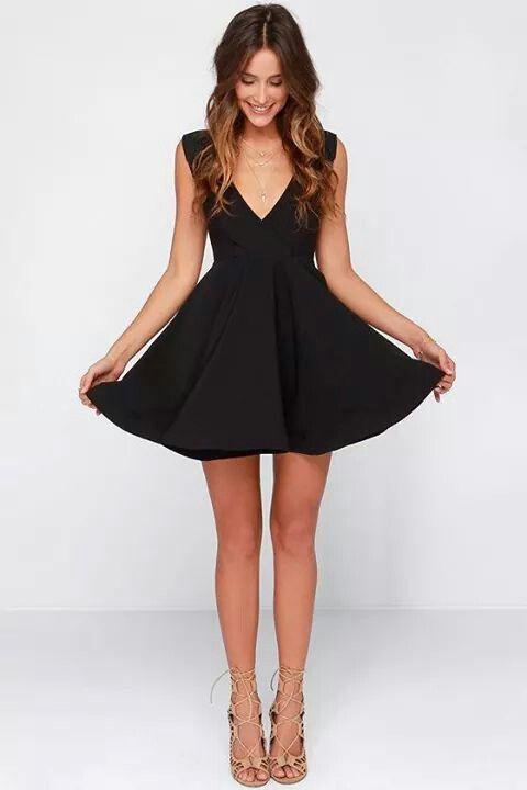 pin de lorena villagomez en black dress pinterest vestiditos vestidos cortos y ropa. Black Bedroom Furniture Sets. Home Design Ideas