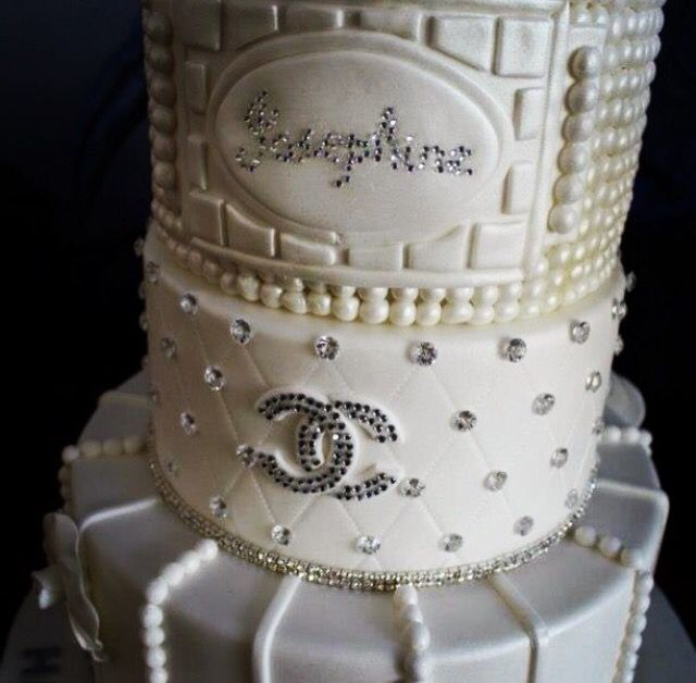 how to decorate wedding cake 293 best images about coco chanel ideas on 4918