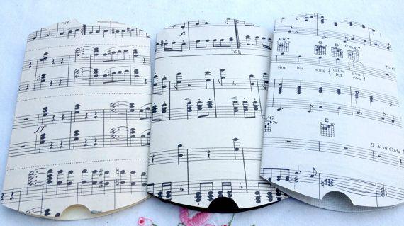 Spartiti musicali d'epoca cuscino scatola regalo di charstreasures